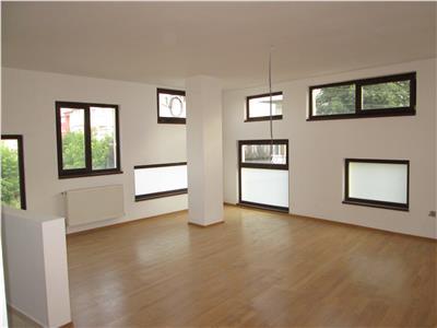 Apartament 2 camere,nemobilat, zona Liceul Unirea , etaj 2