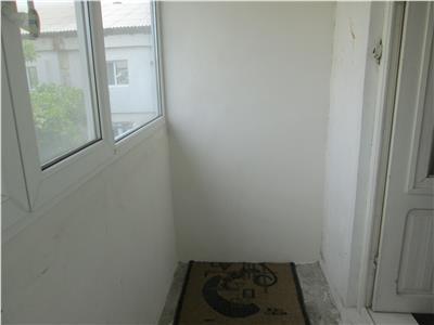 Apartament 2 camere, zona Obor  Fulger, etaj 3 cu acoperis