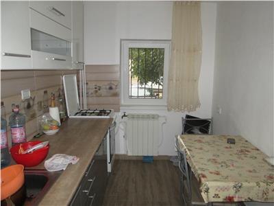 Apartament 2 camere, parter, zona Politie - Lupeni