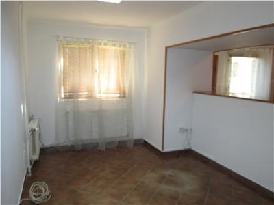 Apartament 2 camere, parter, zona Parcul Shuman, nemobilat