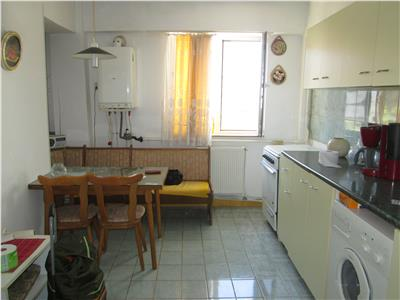 Apartament 4 camere, Primarie - 100 mp -