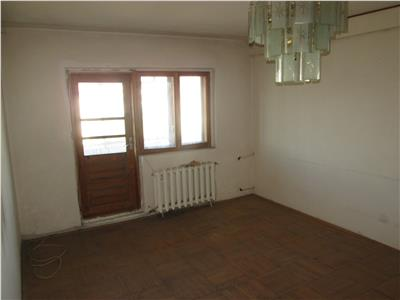 Apartament 4 camere, zona Piata Moldovei, scoala 2