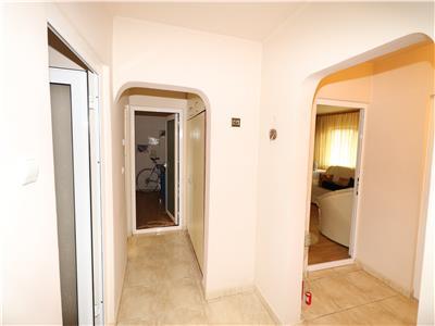 Apartament 4 camere, parter , zona Petre Liciu