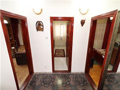 Apartament 2 camere, etaj 1, hol patrat, logie + balcon