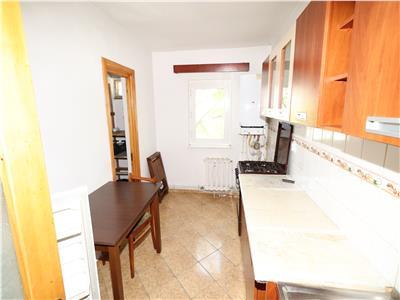 Apartament 2 camere, etaj 1, 54mp, zona Piata