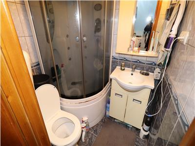 Apartament 2 camere, etaj 3/4, str Aleea Caminului