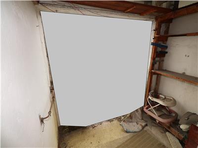 Apartament 2 camere, etaj 4/4 cu acoperis, Piata Moldovei