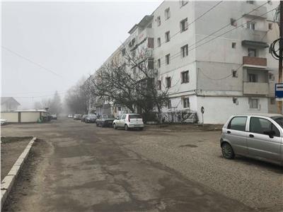 Spatiu comercial (apartament) de inchiriat zona Est