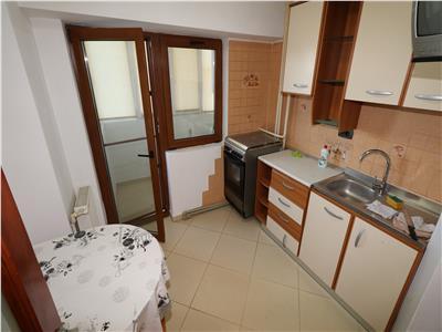 Apartament 2 camere, etaj 3/10 , zona Polivalenta