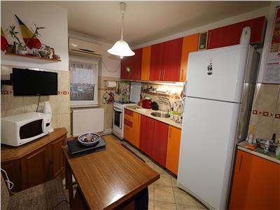 Apartament 3 camere, Scoala 10 - Lidl , etaj 2