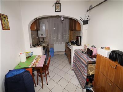 Apartament 2 camere, parter, zona Sud - Piata