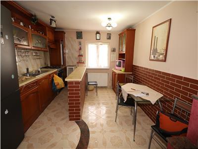 Apartament 3 camere, etaj 2, zona Banca Tiriac - Paco