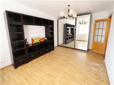 Apartament 3 camere, etaj 3, zona Banca Tiriac - Paco