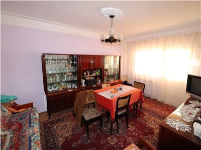 Apartament 3 camere, etaj 2, zona Dogan - Scoala 10