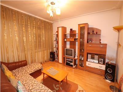 Apartament 2 camere, etaj 4, zona Sud - Unitati Militare