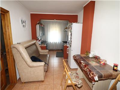 Apartament 2 camere, 65mp, parter, vedere fata si spate ,zona Brailei