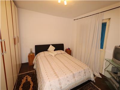 Apartament 3 camere, etaj 4 cu acoperis + termopane 39.500 E