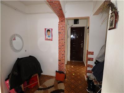 Apartament 2 camere, etaj 3/4, CT, termopane, zona Obor