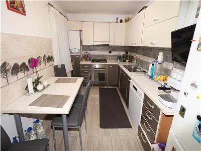 Apartament 3 camere, parter, zona Longinescu