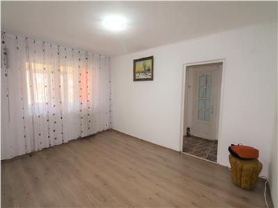Apartament 2 camere, etaj 1, zona Sud - Scoala -