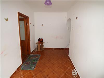 Apartament 2 camere, parter, zona Bahne, liber