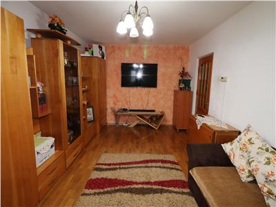 Apartament 2 camere, Bdul Independentei, etaj 3 cu acoperis