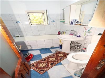 Apartament 2 camere, Bdul Bucuresti, etaj 4 cu acoperis