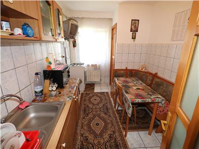 Apartament 3 camere, etaj 3 , zona Petre Liciu
