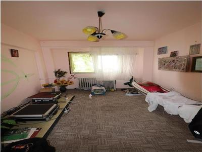 Apartament 3 camere, ultracentral, etaj 8, lift nou !