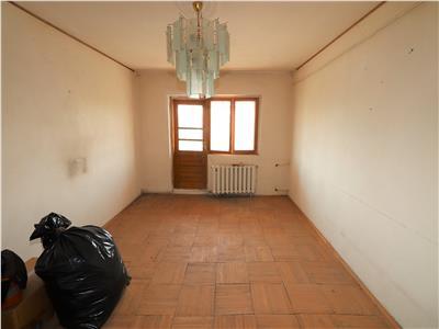 Apartament 4 camere, etaj 3, zona Mare a Unirii