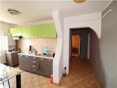 Apartament 3 camere, etaj 4 cu acoperis -Unirea Principatelor-