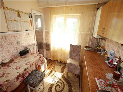 Apartament 3 camere, etaj 2, Longinescu - Politie