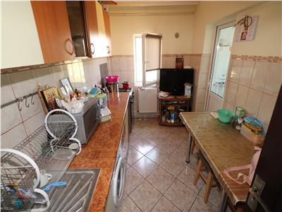 Apartament 2 camere, Inspectoratul Scolar , Etaj 4 cu acoperis