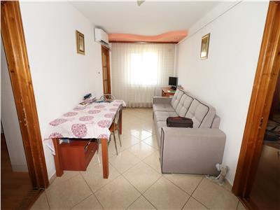 Apartament 2 camere, hol patrat, logie si balcon
