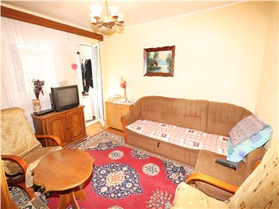 Apartament 3 camere, etaj 3, zona Gradinita - Paco