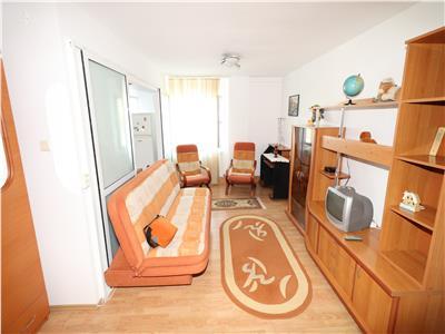 Apartament 2 camere, etaj 3, zona B-dul Bucuresti