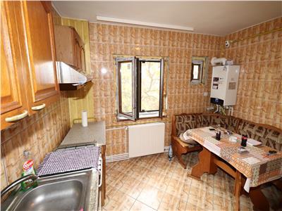 Apartament 3 camere, etaj 2, zona Longinescu - de inchiriat -