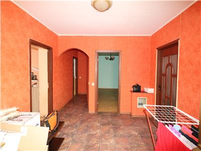 Apartament 3 camere la curte in centrul orasului Focsani