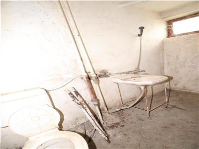 Garsoniera zona Garii, parter, necesita renovare totala