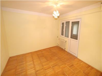 Apartament 2 camere, etaj 4 cu acoperis , zona Bucegi