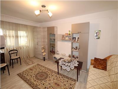 Apartament 3 camere, etaj 3, zona Longinescu - Gara