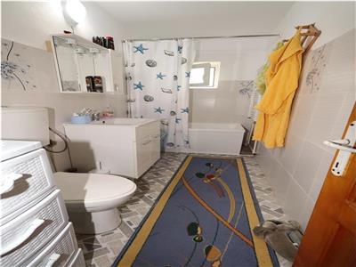 Apartament 3 camere, etaj 3, zona Longinescu  Gara