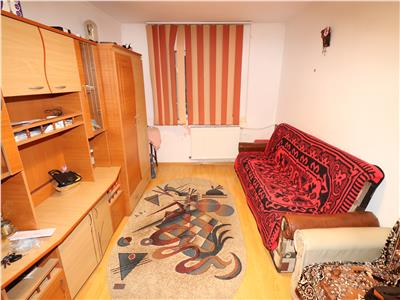 Apartament 3 camere, parter, Scoala 8 - Sud -