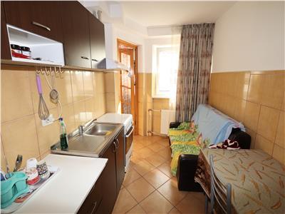 Apartament 2 camere, etaj 4 cu acoperis, zona Centrala - Parc