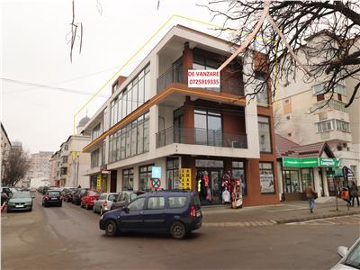 Spatiu Comercial de vanzare zona Piata Moldovei etaj 2