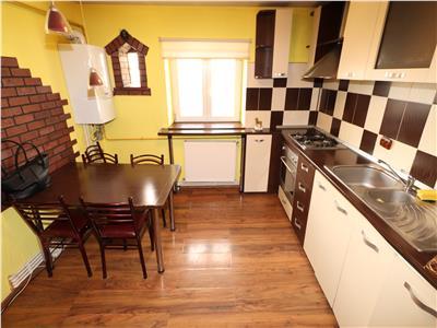 Apartament 2 camere, etaj 3, zona Brailei 250 Euro / luna