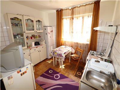 Apartament 3 camere, Aleea Echitatii, 48mp, etaj 4 cu acoperis